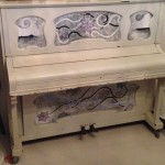 Piano met panelen ongeschilderd